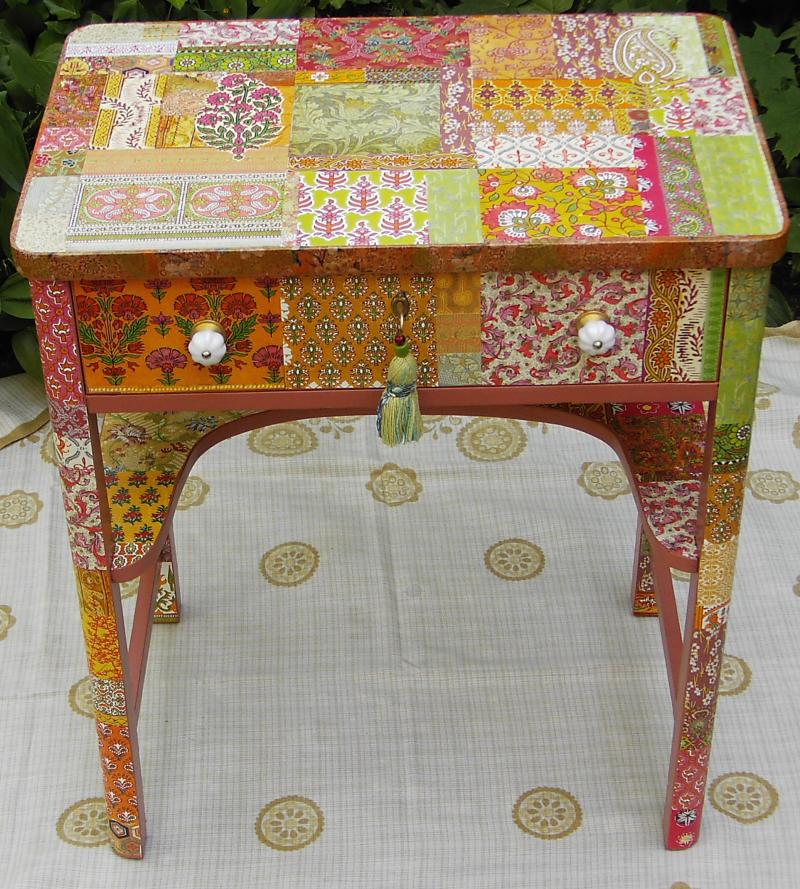 kindertisch indische stoffmuster. Black Bedroom Furniture Sets. Home Design Ideas